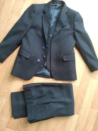 Стильный Костюм 3ка(пиджак,желетка,брюки) на мальчика 7-10 лет.