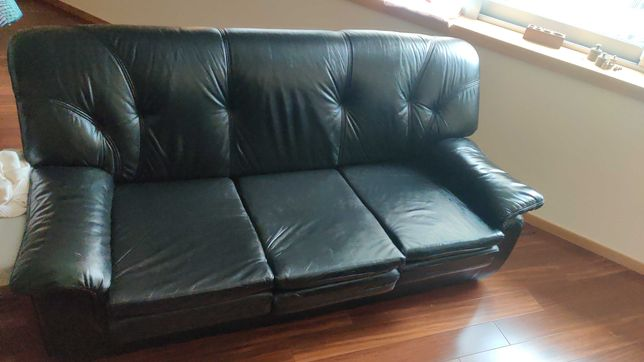 Sofa cama + 2 poltronas (em couro)