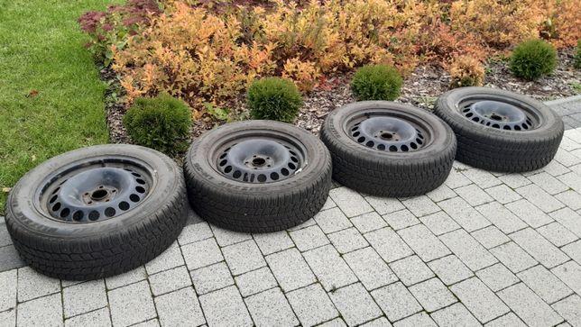 Opony zimowe z felgami 205/60/16 Bridgestone Blizak komplet