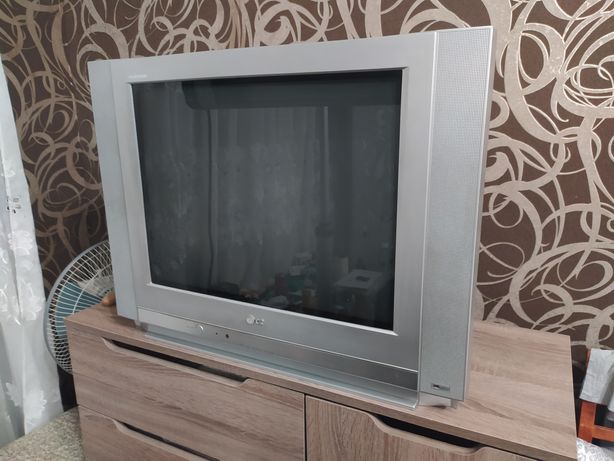 Телевизор Lg 29 дюймов.