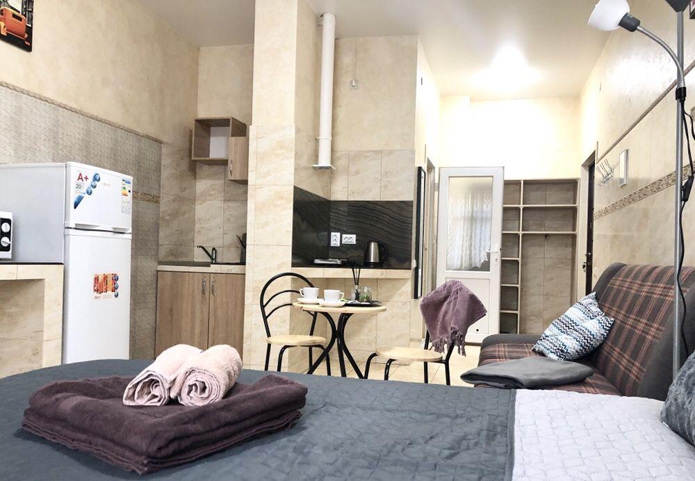 Посуточно квартира, м Печерск, новый дом, от владельца-1