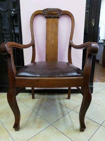 Fotel dębowy w bardzo dobrym stanie