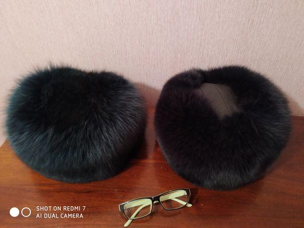 Продам меховые шапки 2шт.