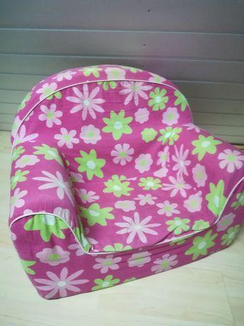 Mały fotel dziecięcy