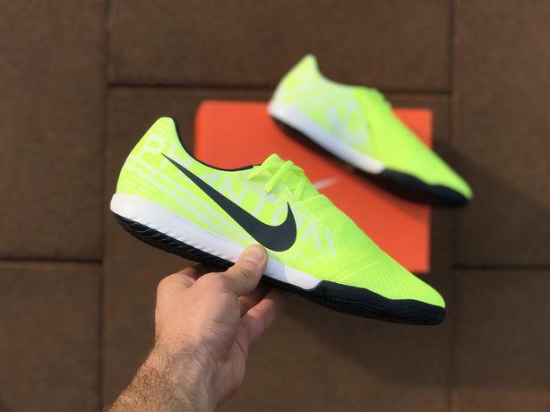 Nike PHANTOM VENOM 44р/27,6см. Academy Футзалки. Не Сороконожки бутсы