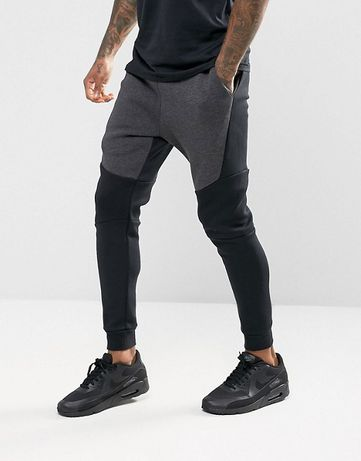 Nike Tech Fleece Joggers (805162-011) Размер S в Наличии