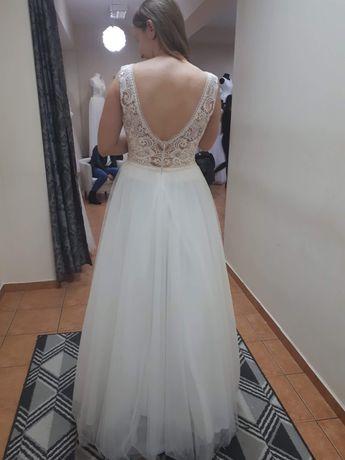 Suknia ślubna, śliczna.
