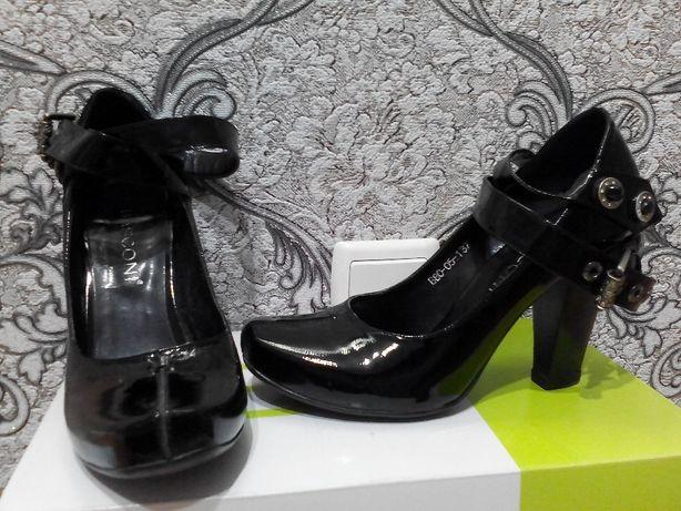 Продам Итальянский лаковый женский туфель