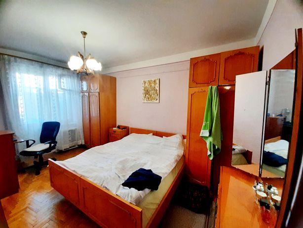 Продається 2-х кімнатна чешка на Кобилиці