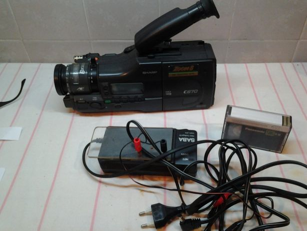 kamera sharp + 6 kaset + zasilacz sprawna