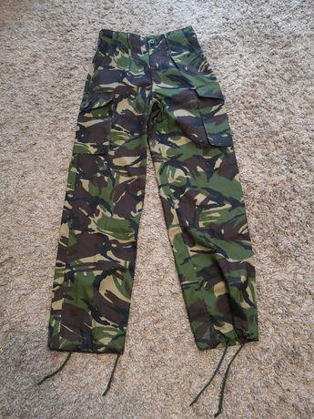 Spodnie wojskowe dpm