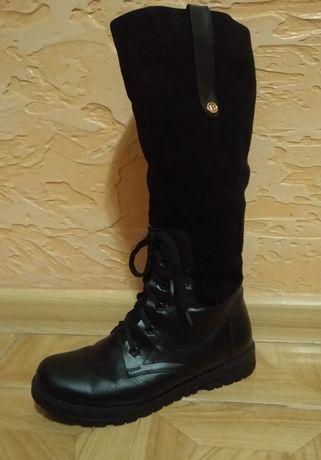 Продам жіночі зимові чоботи!