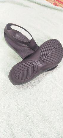Сандалии crocs  оригинал crocs