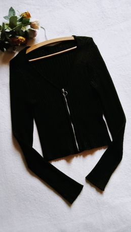 Sweterek dekolt v prążki suwak sexy swag glamour czarny hit S/36