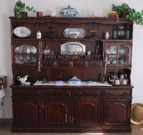 Móvel louceiro rústico de sala de jantar, madeira maciça marca Fetex