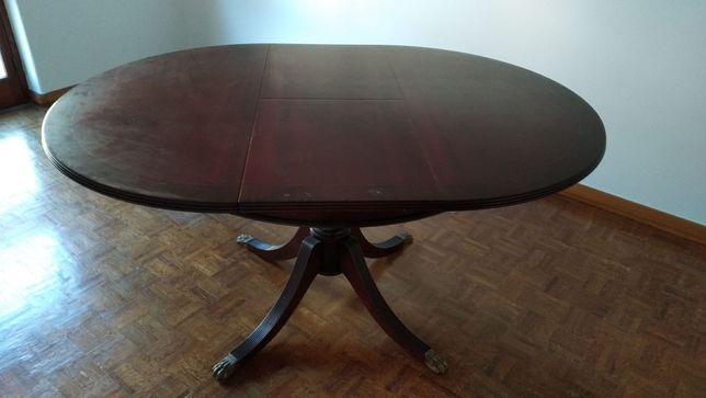 Mesa de jantar em Cerejeira