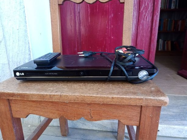 DVD Player LG com Telecomanda usado, com pilhas