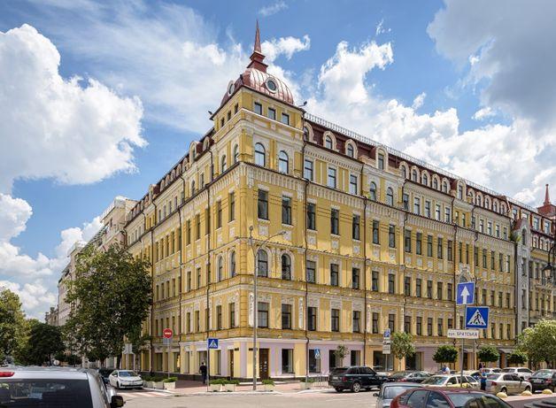 Фасадное помещение в БЦ Ильинский (Контрактова площа)