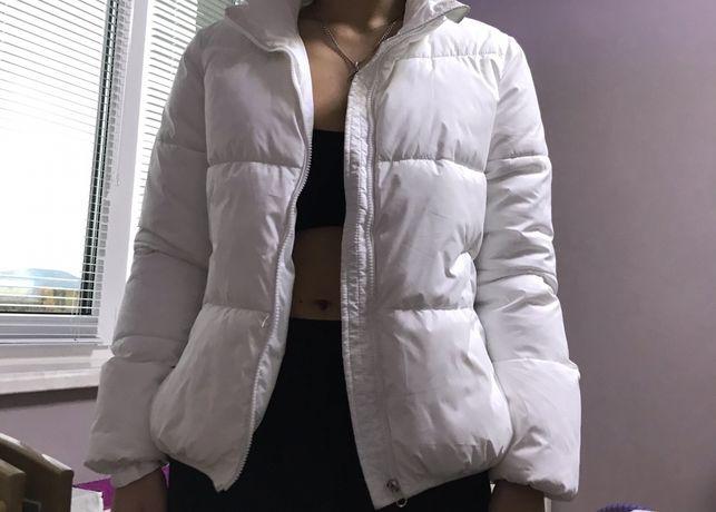 Куртка , зима/осінь. В ідеальному стані