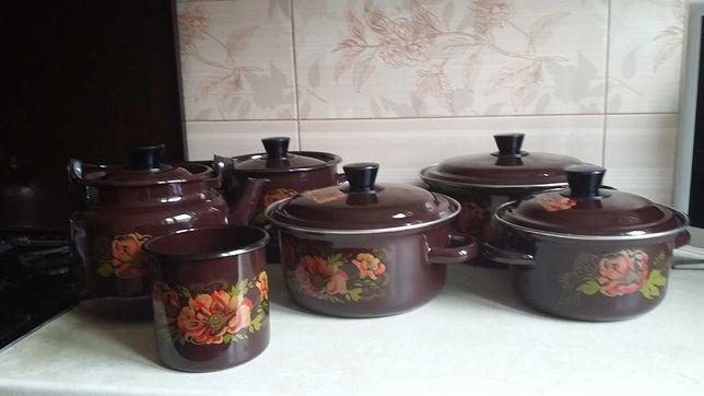 Набор эмалированной посуды СССР 6 предметов :4 кастрюли +чайник+кружка