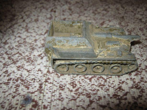Советская самоходка,металл.Под ремонт.