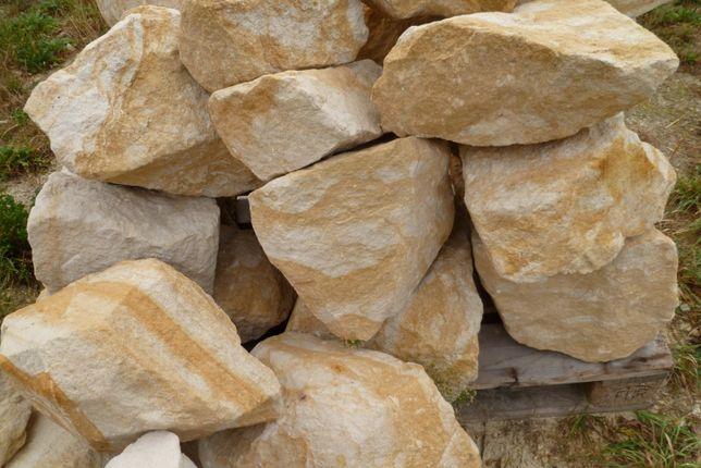 Kamień ogrodowy z kopalni.