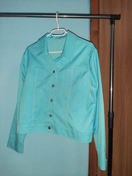 Pastelowo niebieska kurtka na guziki M L inside na wiosnę