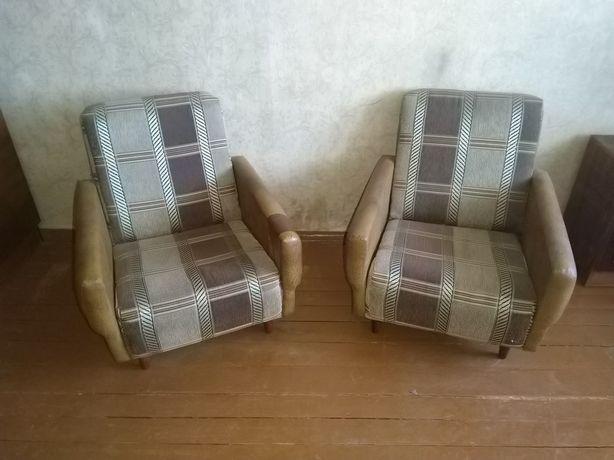 Кресло.2шт. в хорошем состоянии на дачу или в квартиру.Размеры на фото