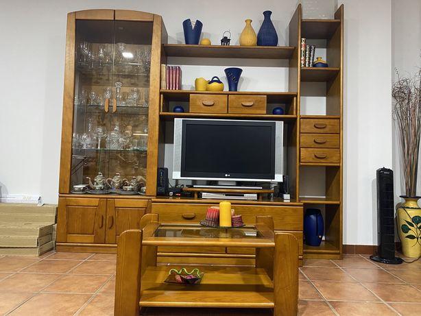 Conjunto móvel e mesa para sala