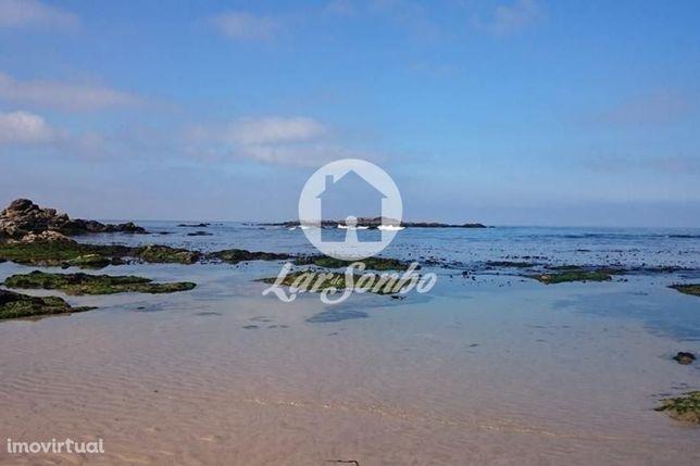 T2 localizado na 1º linha de mar em Vila Chã