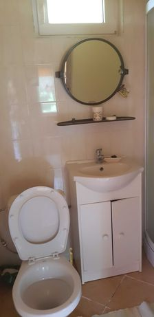 kabina prysznicowa, umywalka, sedes