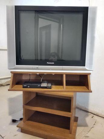Телевизор Panasonic з тумбою і Т2