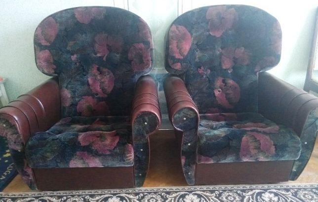 М'які меблі, м'які крісла (не розкладні)