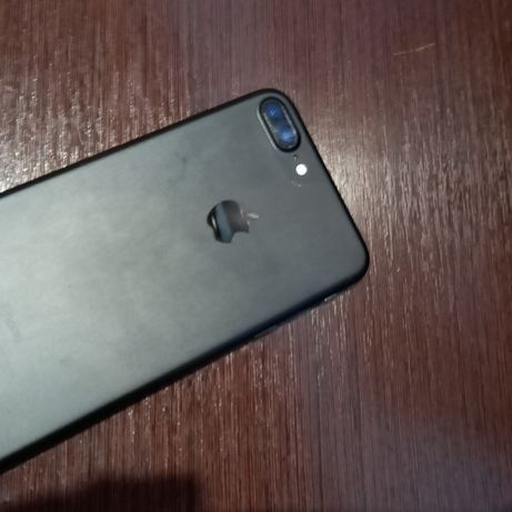 iPhone 7+ 128gb Хороший стан
