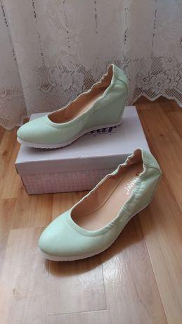 Nowe buty na kotutnie miętowe rozmiar 40