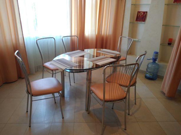 Стол обеденный из каленого стекла