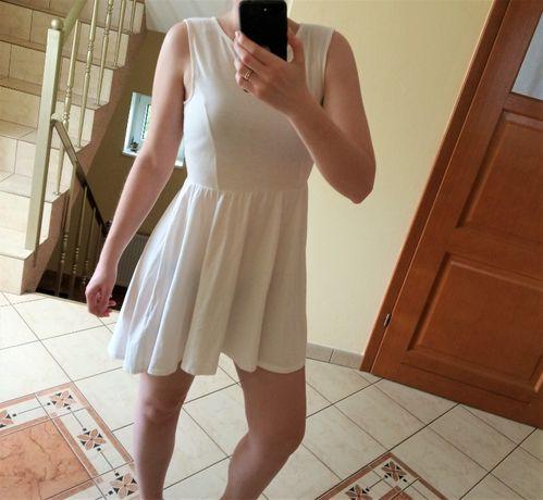Krótka biała sukienka