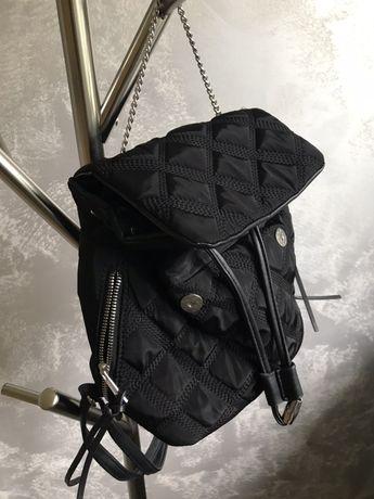 Czarny plecak MUST HAVE