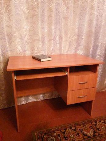 Письменный, компьютерный стол