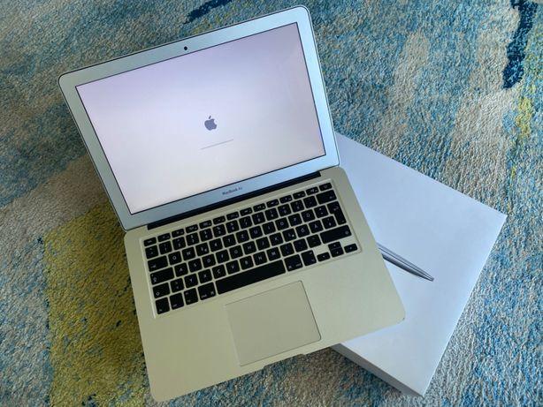 MacBook Air 13 OS Catalina