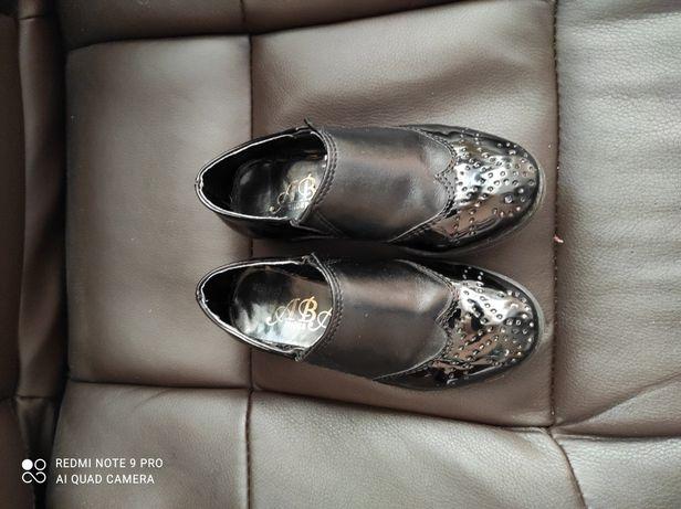 Кожаные туфли для ребенка