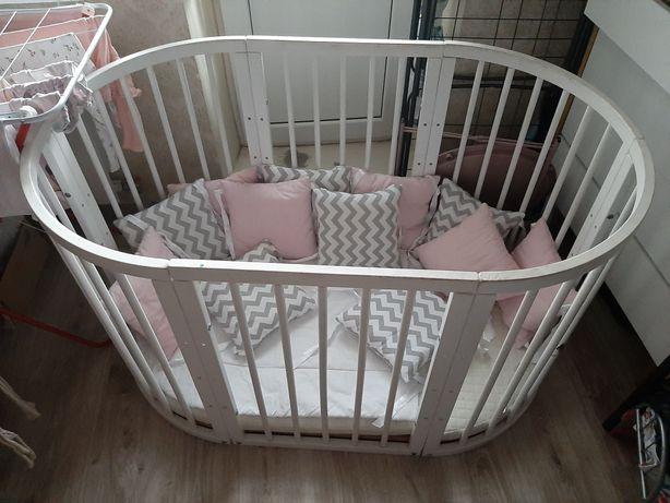 Кроватка белая круглая овальная Stokke, матрасы и подушки комплект