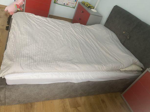 Півтораспальне ліжко