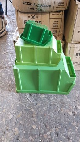 Метизные пластиковые ящики контейнеры боксы для хранения саморезов гае
