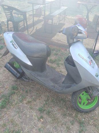 Продам скутер Suzuki lets 2