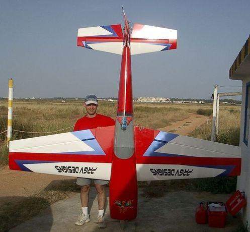 Extra 330s 40% Carden Aircraft com motor 150b2 3w gasolina super 98