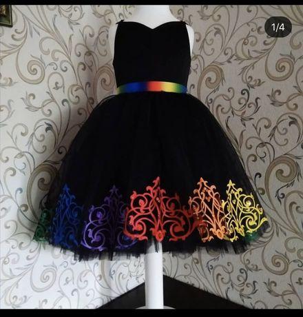 Платье нарядное на выпускной черное радуга