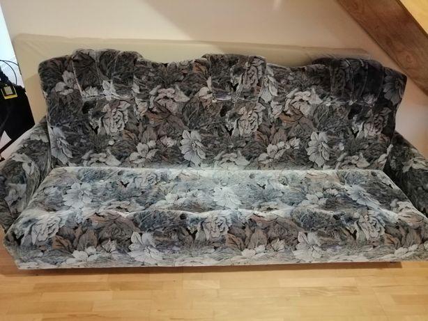 Komplet wypoczynkowy wersalka, fotele i pufy