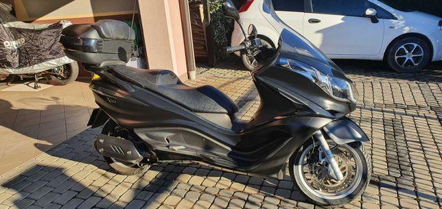 Piaggio X10 125i