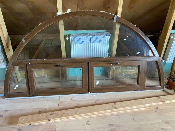 Арочное окно 2,5 на 1,25 метра. Двусторонняя ламинация